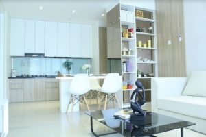 Interior Ruang Makan Pine Tree Apartment
