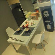 Ruang Dinner Lexington Apartemen Bandung